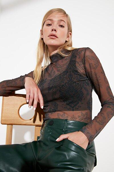 Kahverengi Tül Dik Yaka Baskılı Örme Bluz TWOSS21BZ0388