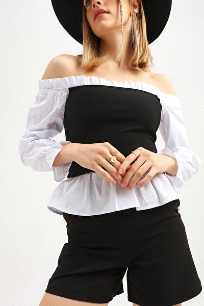 Kadın Beyaz Siyah Düşük Omuz Yakası Fırfırlı Bluz