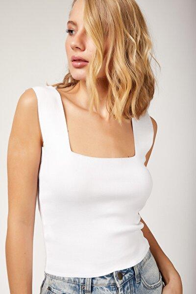 Kadın Beyaz Kare Yaka Likralı Fit Crop Bluz TS00176