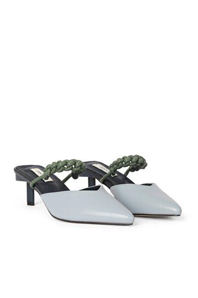 Sivri Burun Topuklu Sandalet