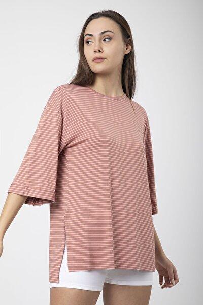 Kadın Pudra Çizgili Yırtmaçlı Kol Katlı Basic Salaş T-shirt