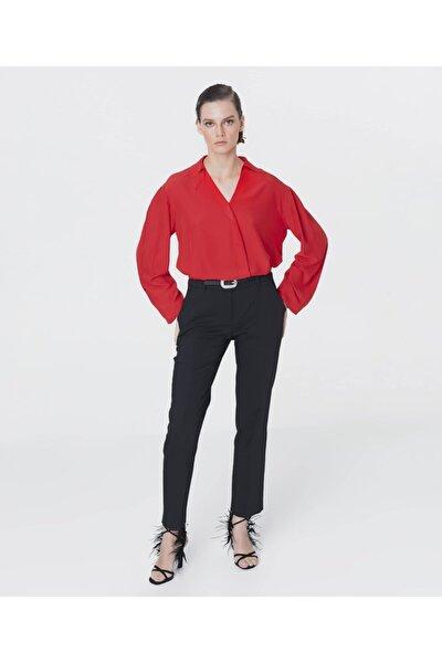 Yaka Detaylı Bluz