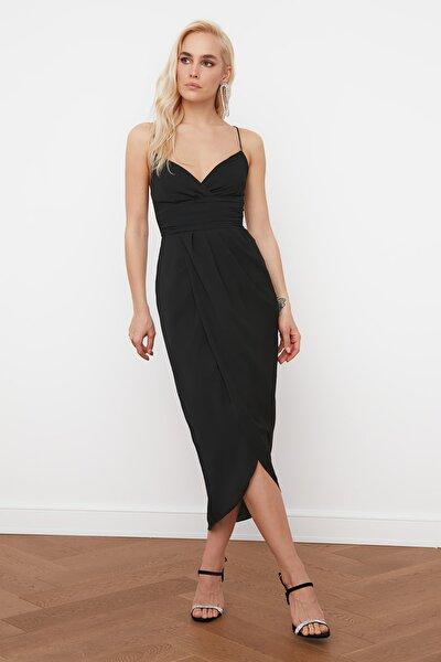 Siyah Nervür Detaylı Elbise TPRSS19BB0420