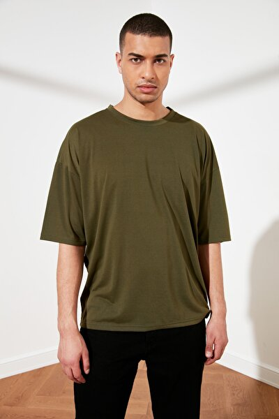 Haki Basic Erkek Oversize Bisiklet Yaka Kısa Kollu T-Shirt TMNSS21TS0811