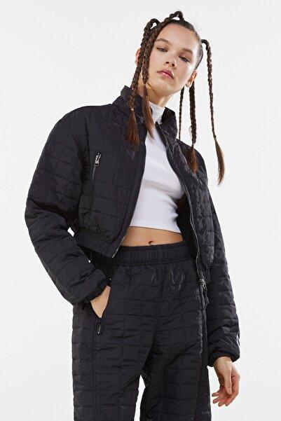 Kadın Siyah Crop Fit Kapitone Ceket