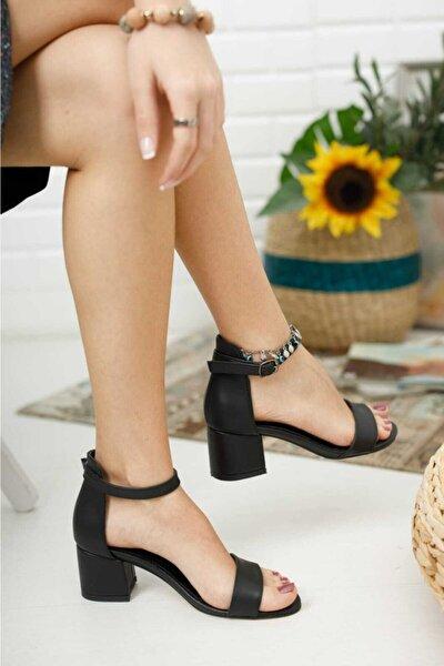 Kadın Siyah Tek Bant Ayakkabı
