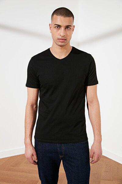 Siyah Basic Erkek Slim Fit V Yaka Kısa Kollu T-Shirt TMNSS19BO0002