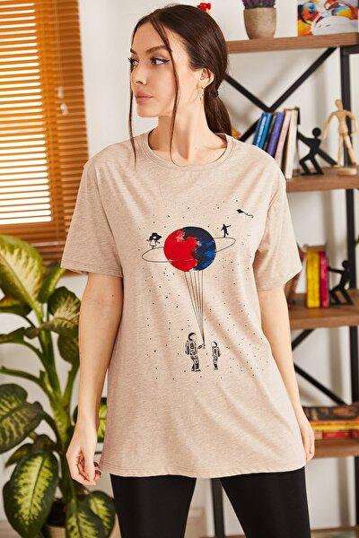 Kadın Bej Satürn Baskılı T-Shirt ARM-20Y012007