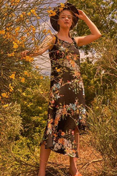 Kadın Siyah Askılı Desenli Asimetrik Elbise