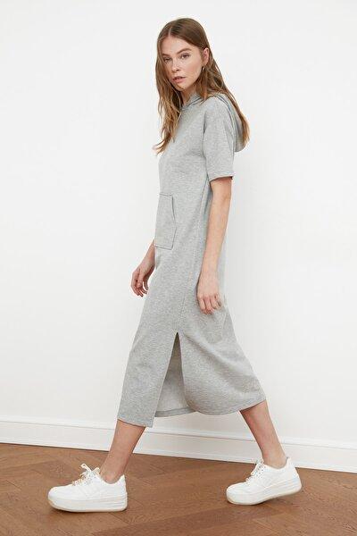 Gri Kapüşonlu Örme Elbise TWOSS21EL1031