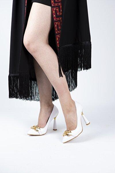 Kadın Beyaz Zincir Detaylı Topuklu Ayakkabı