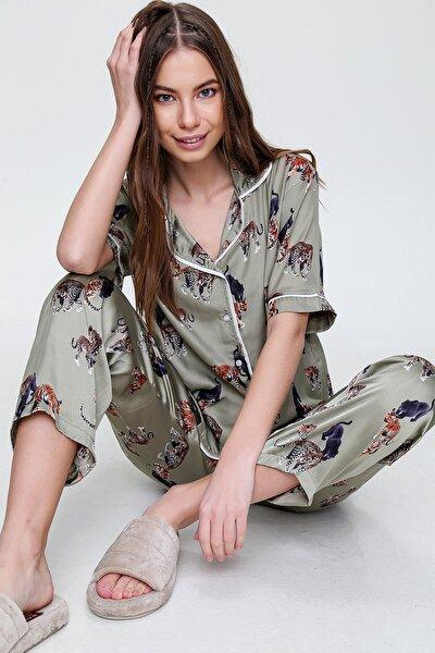 Kadın Haki Gömlek Yaka Desenli Saten Pijama Takım ALC-X6115
