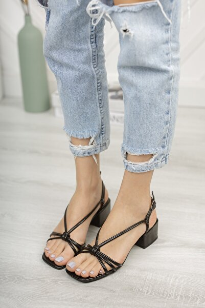 Kadın Siyah Günlük Sandalet