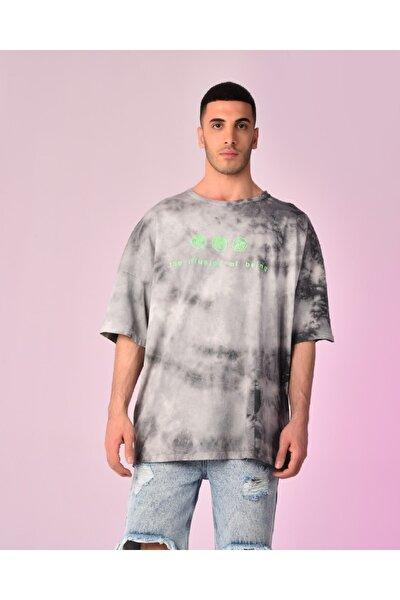 Erkek Siyah Batik Baskılı Kısa Kol  Tshirt