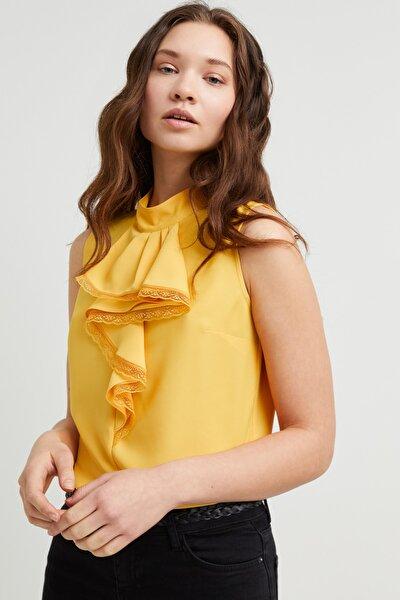 Kadın Sari Yakası Volanlı Bluz
