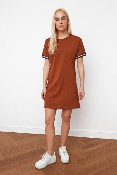 Kahverengi Şerit Detaylı Örme  Elbise TWOSS19FV0107