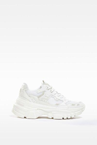 Kadın Beyaz Maksi Tabanlı Çok Parçalı Fileli Spor Ayakkabı