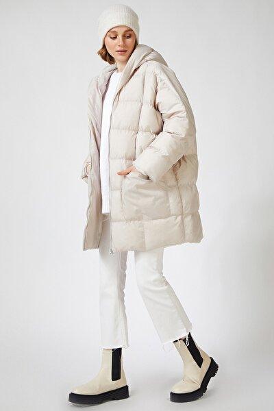 Kadın Açık Bej Kapüşonlu Oversize Şişme Kaban US00410