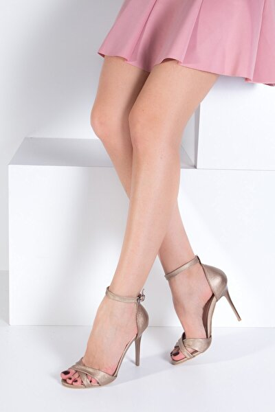 Platin Deri Kadın Topuklu Ayakkabı B922113709