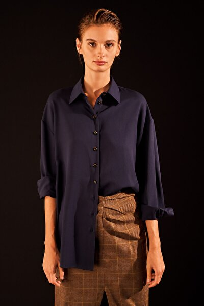 Kadın Lacivert Düğmeli Manşetli Gömlek