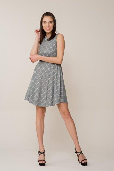 Pembe Sim Detaylı Gri Mini Elbise