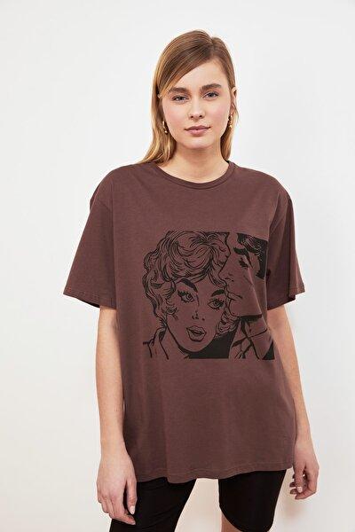 Kahverengi Baskılı Boyfriend Örme T-Shirt TWOSS19VG0123