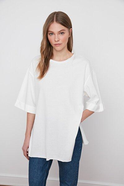 Beyaz Duble Kol Asimetrik Boyfriend Örme T-Shirt TWOSS20TS0828
