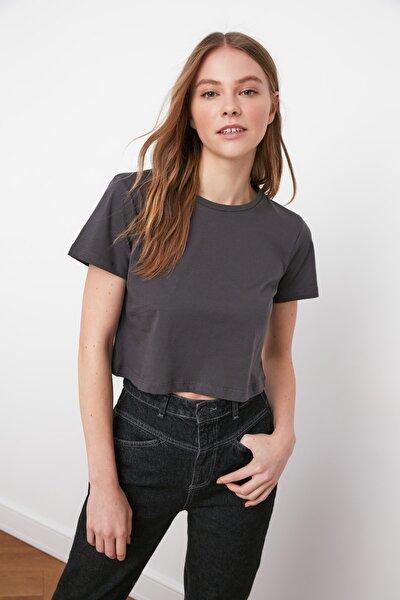 Antrasit %100 Pamuk Bisiklet Yaka Crop Örme T-Shirt TWOSS20TS0135