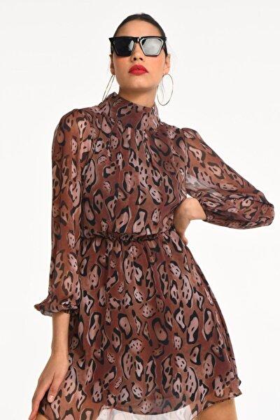 Kahverengi Yılan Desen Yarım Balıkçı Yaka Şifon Elbise