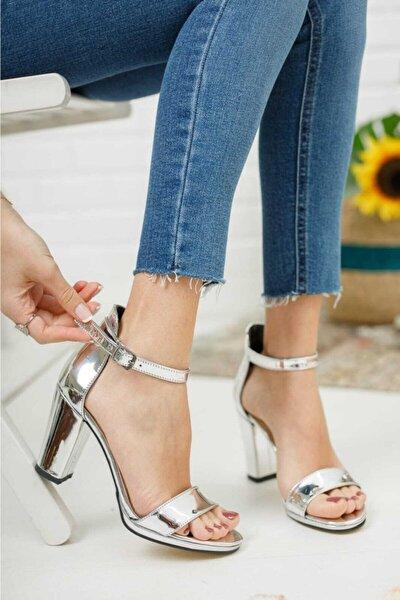 Kadın  Gümüş Zenne Ayakkabı Tek Bant