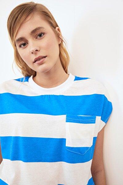 Mavi Cepli Crop Örme T-Shirt TWOSS21TS0856