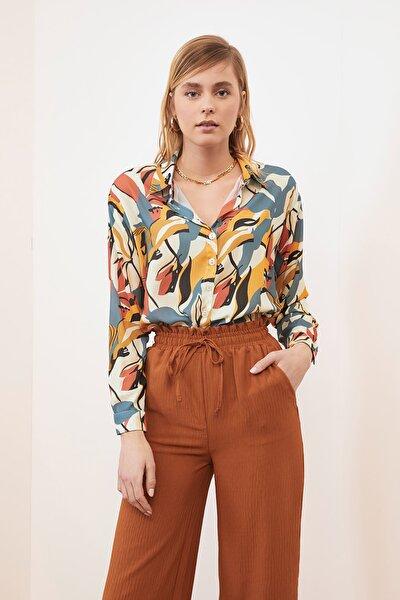Çok Renkli Baskılı Gömlek TWOSS21GO0130