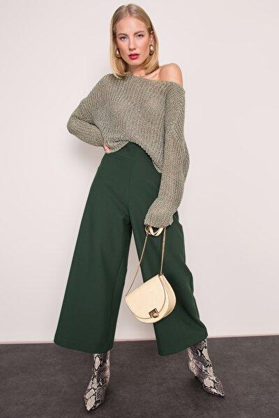 Yeşil Korsaj Kemer Detaylı Bol Pantolon
