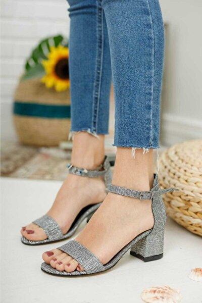 Kadın Gri Tek Bant Ayakkabı