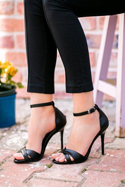 Siyah Kadın Topuklu Ayakkabı B922113709