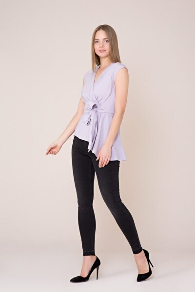 V Yaka Kuşak Detaylı Lila Bluz