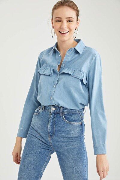 Kadın Mavi Volan Detaylı Jean Gömlek