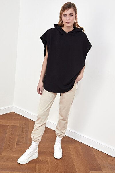 Siyah Kapüşonlu Örme Sweatshirt TWOSS21SW0203