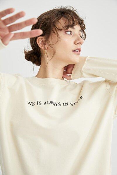 Kadın Bej Yazı Baskılı Pamuklu Relax Fit Sweatshirt