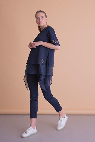 Asimetrik Kesim Işlemeli Lacivert Tül Detaylı Bluz