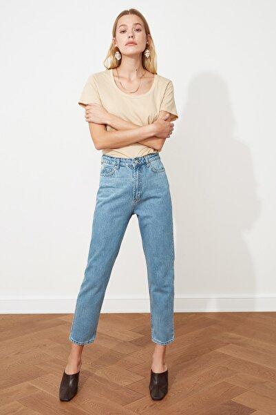 Açık Mavi Yıkamalı Yüksek Bel Mom Jeans TWOSS20JE0099