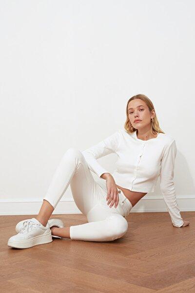 Beyaz Önden Düğmeli Yüksek Bel Skinny Jeans TWOSS20JE0443