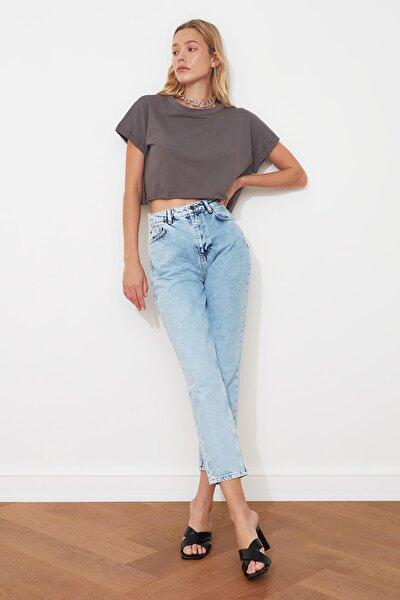Mavi Yüksek Bel Mom Jeans TWOAW21JE0088