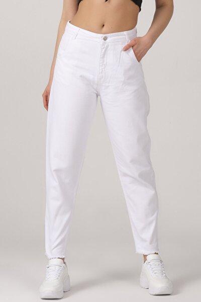 Kadın Beyaz Renk Paça Detaylı Balon Jean Pantolon