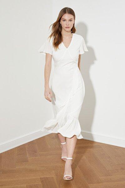Beyaz Volanlı Elbise TWOSS21EL0662