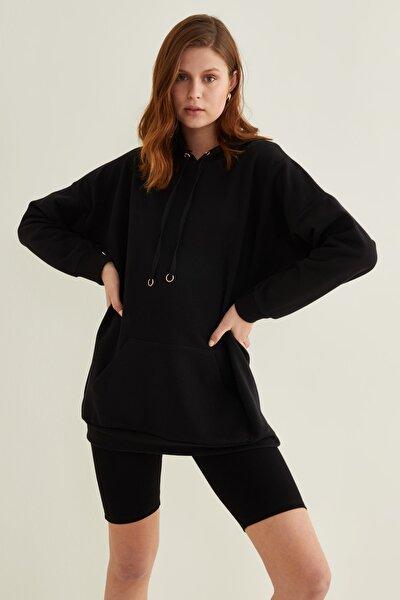 Kadın Siyah Cepli Kapüşonlu Örme Swetshirt