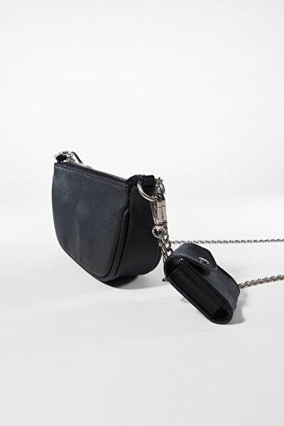 Kadın Siyah Kılıf Detaylı Zincirli Askılı Mini Çanta