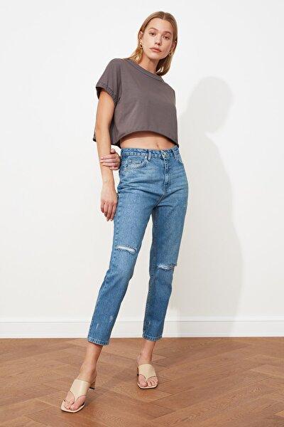Mavi Yırtık Detaylı Yüksek Bel Mom Jeans TWOSS21JE0152