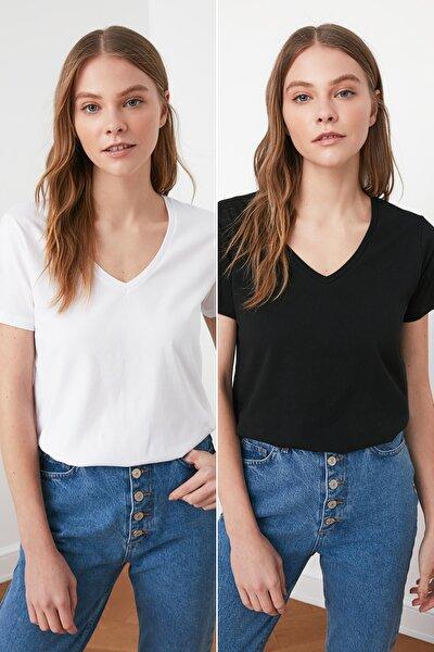 Siyah ve Beyaz %100 Pamuk V Yaka 2'li Paket Örme T-Shirt TWOSS20TS0142