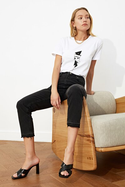 Siyah Paça Detaylı Yüksek Bel Mom Jeans TWOSS21JE0084